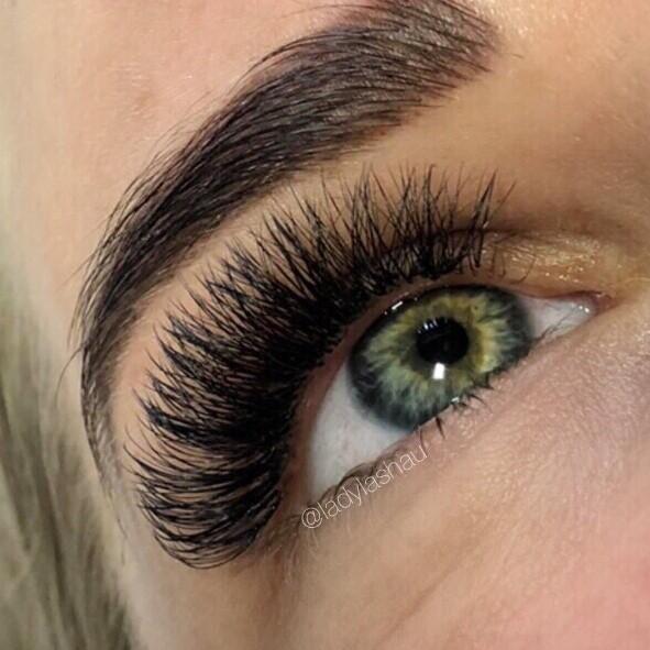 Maximum Russian Volume Eyelash Extensions - Lady Lash