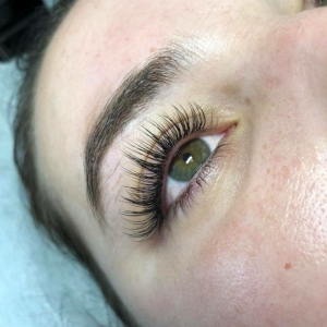 Full Set Classic Eyelash Extensions 4