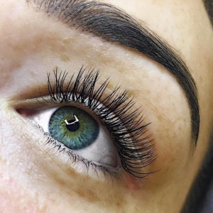 Full Set Classic Eyelash Extensions 9