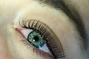 Full Set Classic Eyelash Extensions 1