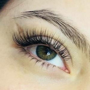 Glamour eyelash extension photo 3