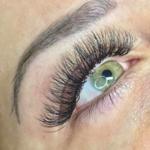Volume Eyelash Extensions 3