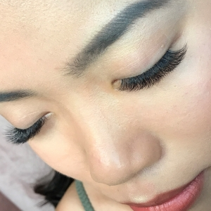 Volume Eyelash Extensions 30