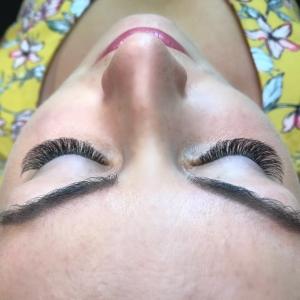 Volume Eyelash Extensions 35