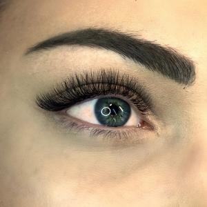 Volume Eyelash Extensions 37