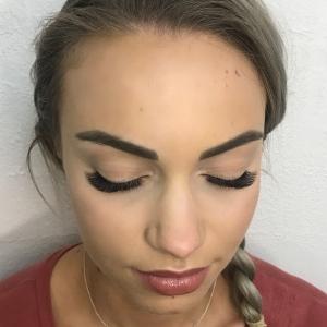 Volume Eyelash Extensions 38