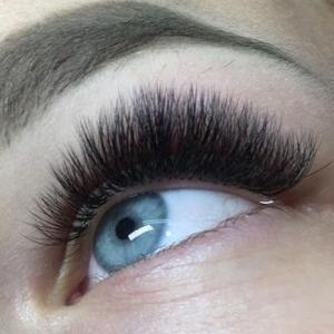 Volume Eyelash Extensions 51