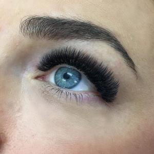 Volume Eyelash Extensions 54