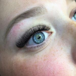 Volume Eyelash Extensions 9