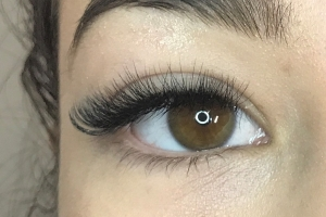 Volume Eyelash Extensions 18