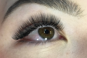 Volume Eyelash Extensions 21