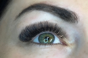 Volume Eyelash Extensions 7