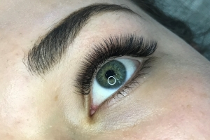 Volume Eyelash Extensions 8