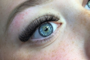 Volume Eyelash Extensions 9