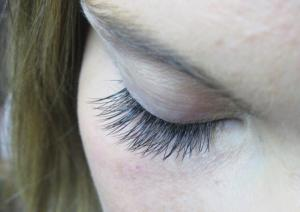 Natural Looking Eyelash Extensions 1