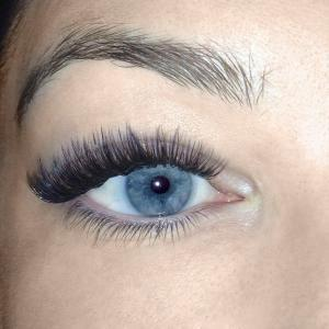Volume Eyelash Extensions 7