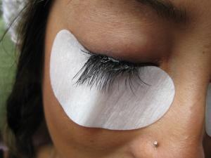 Eyelash Extension Repair - Problem