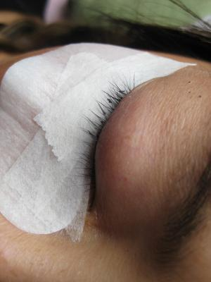 Eyelash Extension Repair - Removal