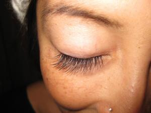 Eyelash Extension Repair - Re Application!