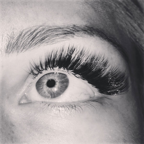 natural looking eyelash extensions
