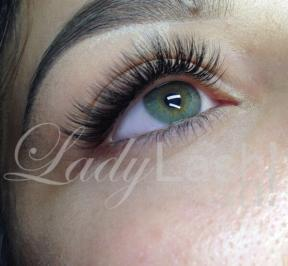 Keeping your natural lashes healthy with eyelash extensions